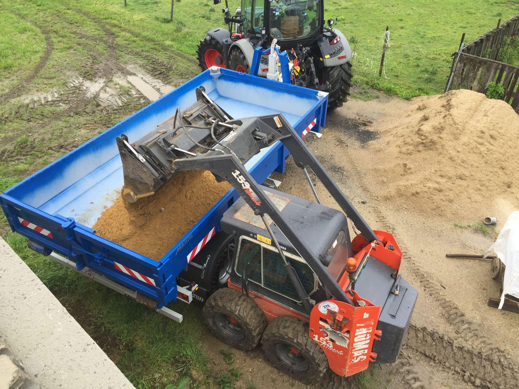 Pronájem-kontejnerů-pro-Kladno-Velká-dobrá-a-okolí-zemědělec-Jiří-Hašek-5