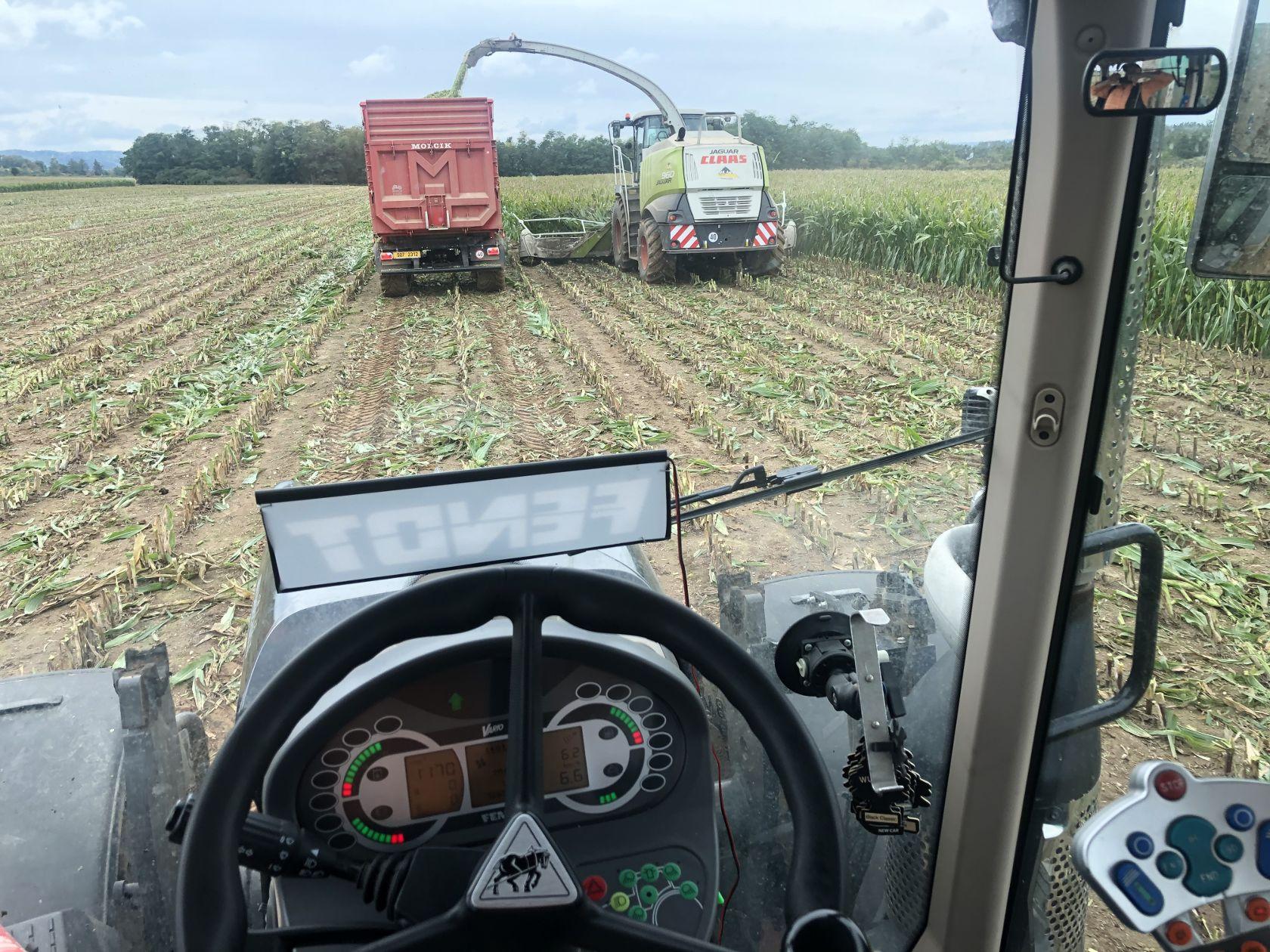 Zemědělské služby pro Kladno, Velká dobrá a okolí zemědělec Jiří Hašek 2