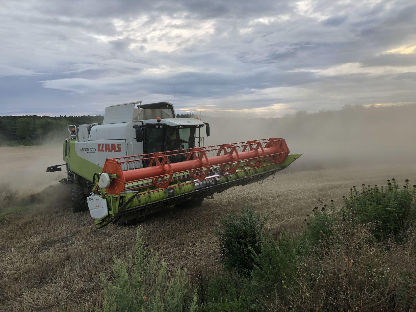 Zemědělské služby pro Kladno, Velká dobrá a okolí zemědělec Jiří Hašek